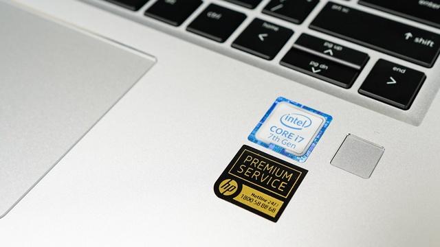 Với một chiếc laptop doanh nhân thì việc trang bị card đồ họa khủng để chơi game là không cần thiết. Thay vào đó là sự ổn định và khả năng đa nhiệm hoàn hảo, xử lý nhiều tác vụ cùng lúc. Với cấu hình mạnh mẽ tùy chọn cao nhất lên đến Intel Core i7-7600U, 16GB RAM cùng ổ SSD PCIe 512GB thì mọi tác vụ đều trở nên nhẹ nhàng.