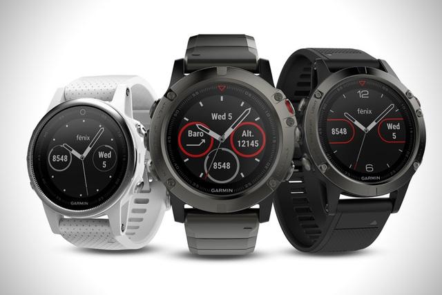 fēnix 5 series có 3 kích thước mặt đồng hồ khác nhau, vừa vặn với mọi cổ tay. Chất liệu cao cấp cùng thiết kế đầy sáng tạo, thể hiện phong cách và đẳng cấp của người dùng