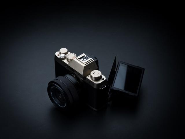 Fujifilm ra mắt máy ảnh Mirrorles X-T100 phong cách cổ điển - Ảnh 1.
