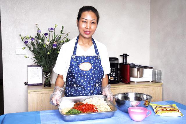Hương Socola – Nữ y tá nổi tiếng với lớp dạy làm bánh Trung thu cổ truyền cực chất - Ảnh 3.