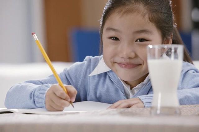 Những thực phẩm bổ sung trí thông minh cho con trẻ mùa tựu trường - Ảnh 1.
