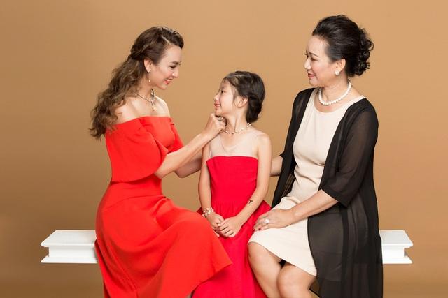 Xu hướng làm đẹp ấn tượng cho mẹ và con gái với trang sức ngọc trai - Ảnh 1.