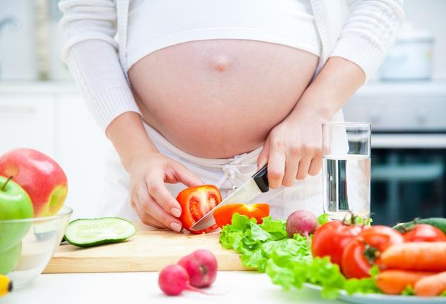 Bữa ăn chuẩn dinh dưỡng cho bà bầu nên thế nào? - Ảnh 1.