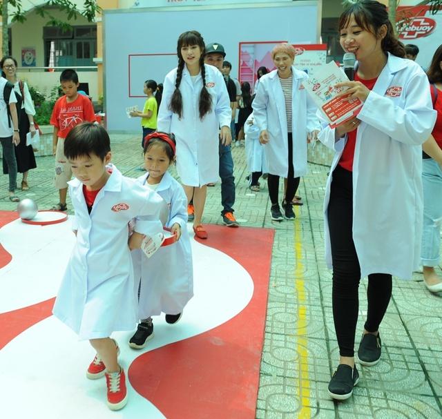 """Minh Hà và Uyên Bùi cùng con trải nghiệm 1 ngày làm """"nhà khoa học"""" - Ảnh 7."""