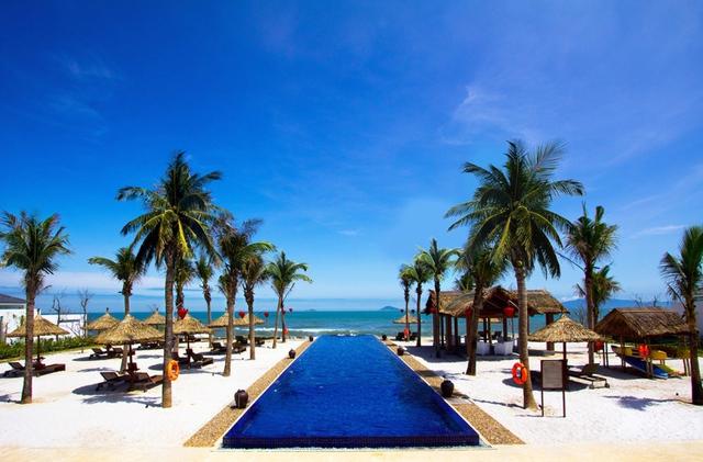 Mùa giải thưởng liên tiếp tại Sunrise Premium Resort & Spa Hội An - Ảnh 2.