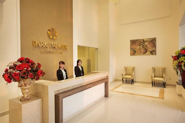 Toà tháp Park Premier với sảnh lobby thiết kế sang trọng và được quản lý bởi Tập đoàn CBRE.