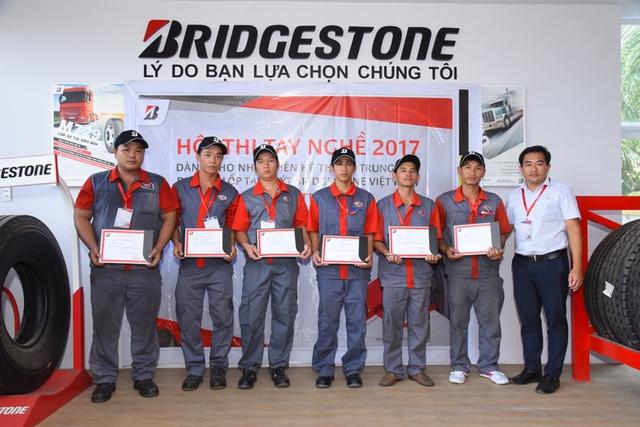 Hội thi tay nghề của Bridgestone là cơ hội để kĩ thuật viên học hỏi, thực hành thực tế, trao đổi kinh nghiệm và cách xử lý những tình huống khó.
