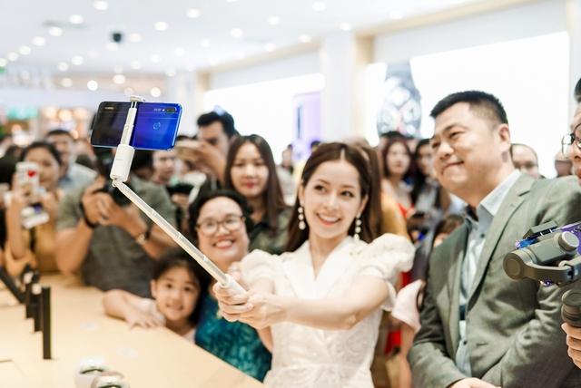 Cửa hàng trải nghiệm đầu tiên của Huawei đã có mặt ở Hà Nội: Mate RS Porsche Design, Matebook X Pro và hơn thế nữa… - Ảnh 10.
