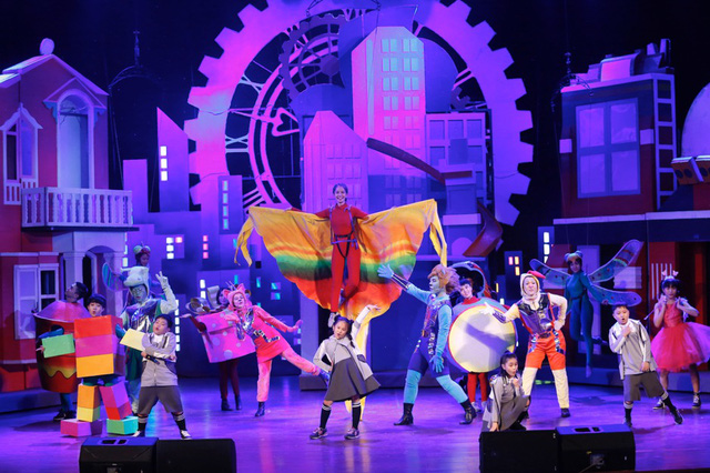 Show diễn cho thiếu nhi hoành tráng sốt vé khi kết hợp nhạc kịch, xiếc - Ảnh 6.