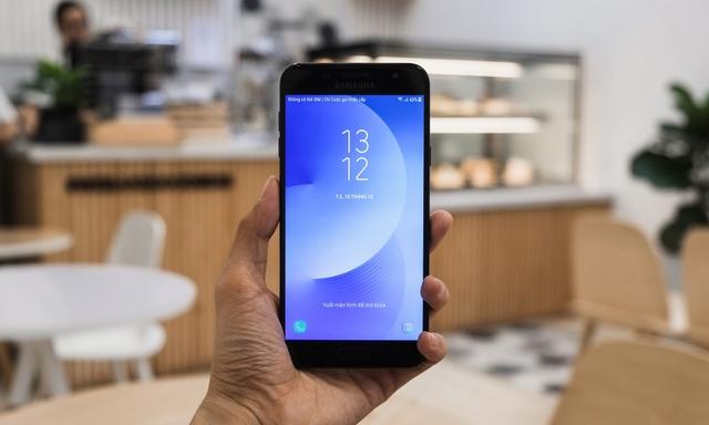 Đánh giá chi tiết camera Galaxy J7+: Tính năng cao cấp trên điện thoại tầm trung - Ảnh 2.