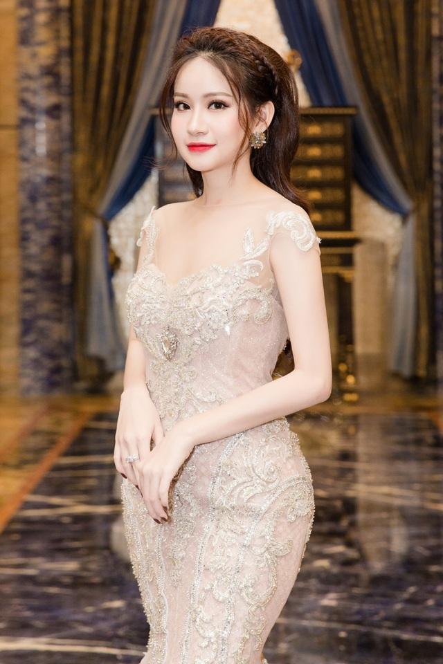 Á hậu Huyền Cò xinh đẹp lộng lẫy tại sự kiện - Ảnh 3.