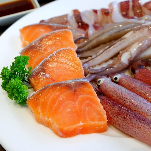 """Ăn no nê, khuyến mãi siêu phê"""" tại lẩu băng chuyền Kichi Dolphin Plaza - Ảnh 4."""