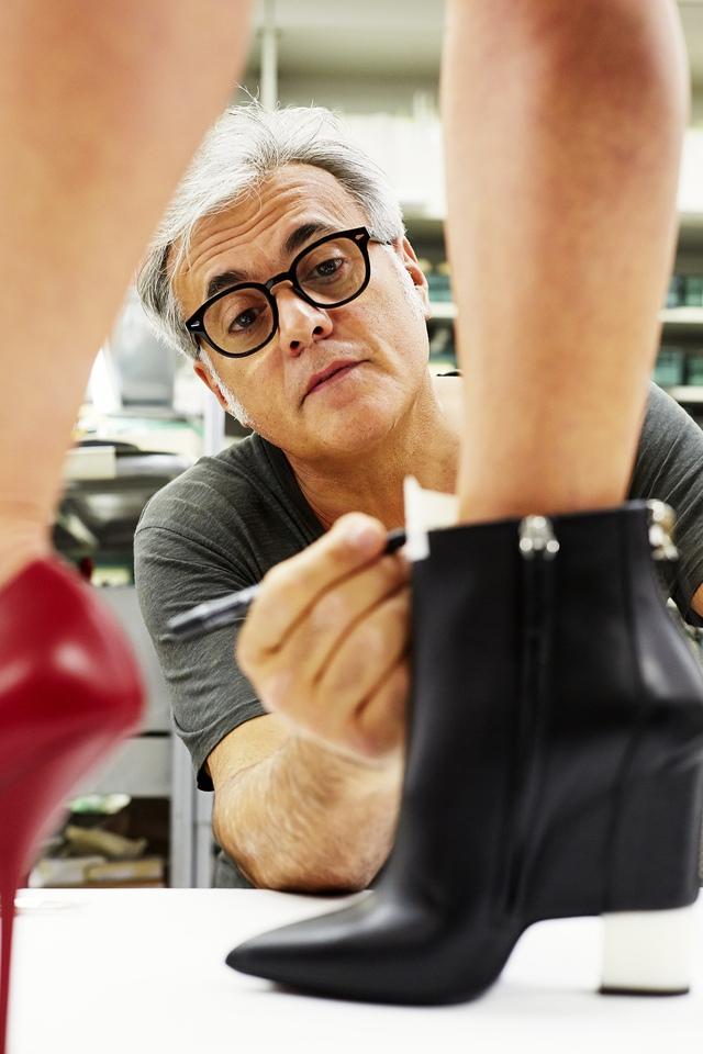Câu chuyện ẩn chứa trong những đôi giày Giuseppe Zanotti - Ảnh 3.