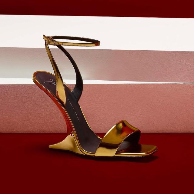 Câu chuyện ẩn chứa trong những đôi giày Giuseppe Zanotti - Ảnh 9.
