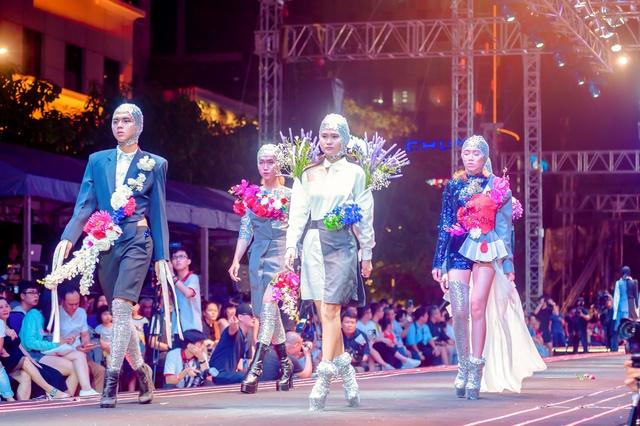 Màn trình diễn đặc sắc của sinh viên Thiết kế thời trang Văn Lang tại đêm hội 'Futuristic'