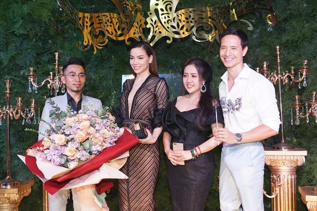 Hồ Ngọc Hà, Kim Lý và dàn sao Việt đọ sắc trong sự kiện - Ảnh 2.