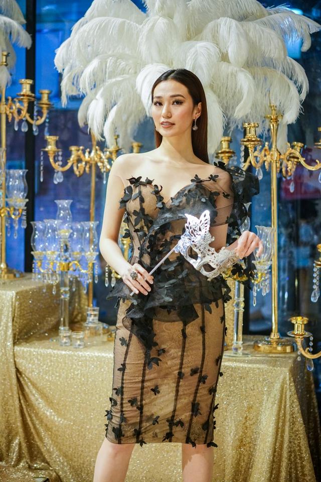 Hồ Ngọc Hà, Kim Lý và dàn sao Việt đọ sắc trong sự kiện - Ảnh 4.
