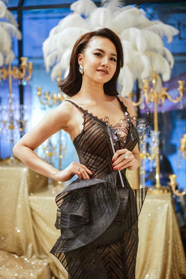 Hồ Ngọc Hà, Kim Lý và dàn sao Việt đọ sắc trong sự kiện - Ảnh 13.