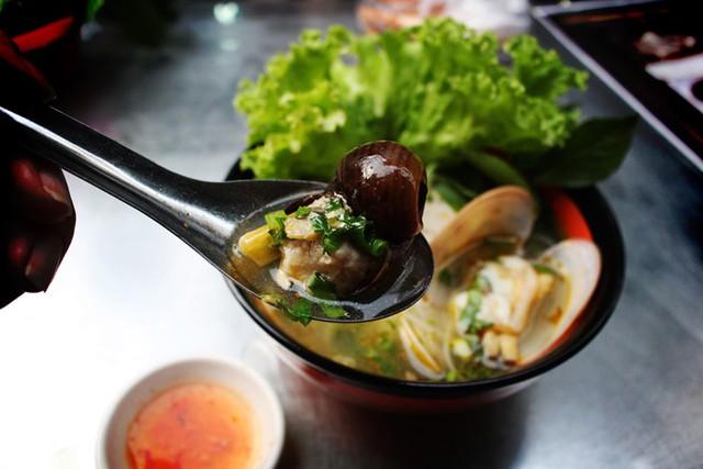 """6 món ăn """"thần thánh"""" của Sài Gòn bạn không thể phớt lờ - Ảnh 4."""
