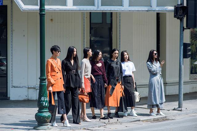 """FLANERIE và màn """"chào sân"""" ấn tượng của thời trang đương đại tại VIFW2017 - Ảnh 3."""