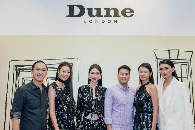 Tăng Thanh Hà, Phillip Nguyễn cùng Kim Nhung dự khai trương thương hiệu giày đến từ Anh Quốc - Ảnh 1.