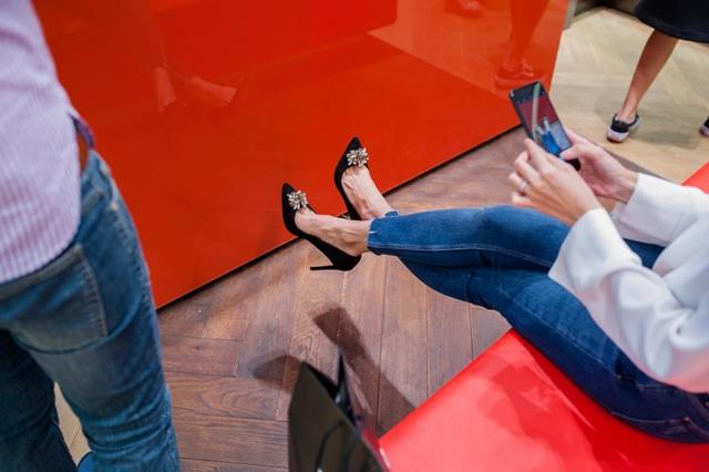 Tăng Thanh Hà, Phillip Nguyễn cùng Kim Nhung dự khai trương thương hiệu giày đến từ Anh Quốc - Ảnh 4.