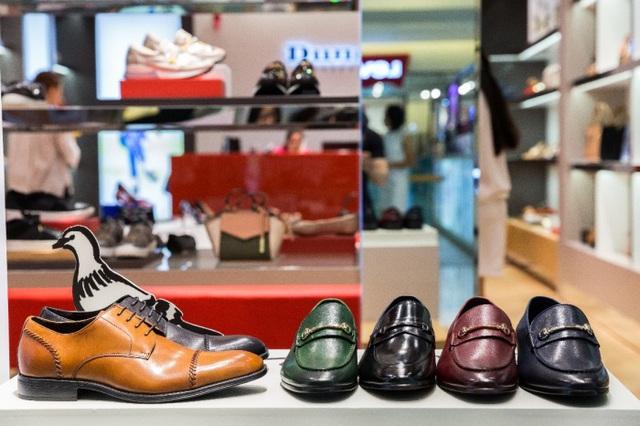 Tăng Thanh Hà, Phillip Nguyễn cùng Kim Nhung dự khai trương thương hiệu giày đến từ Anh Quốc - Ảnh 10.