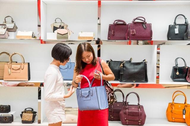 Tăng Thanh Hà, Phillip Nguyễn cùng Kim Nhung dự khai trương thương hiệu giày đến từ Anh Quốc - Ảnh 11.