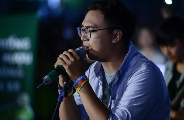 """Giới trẻ hào hứng phiêu âm nhạc tại street show, đua nhau """"săn vé"""" đến MMF by Tuborg 2017 - Ảnh 3."""