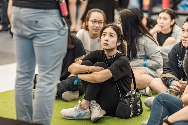 Tùng Sơn, Trang Lou, Ba Duy thử sức với chương trình tập gym chuẩn quốc tế - Ảnh 9.