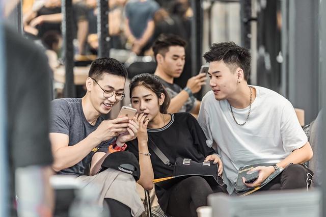 Tùng Sơn, Trang Lou, Ba Duy thử sức với chương trình tập gym chuẩn quốc tế - Ảnh 19.