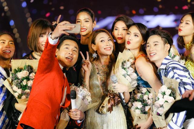Mỹ Tâm, Noo Phước Thịnh, Tóc Tiên, Đông Nhi khuấy động ngày hội thời trang âm nhạc tại SVĐ Quân khu 7 - Ảnh 7.
