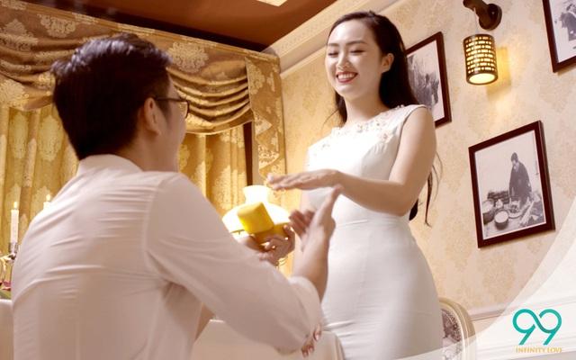 Cô gái nào cũng mơ ước, có được lời cầu hôn từ người mình yêu nhất - Ảnh 4.