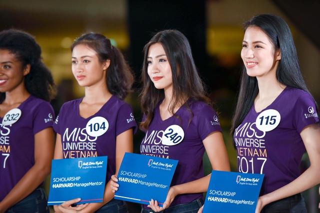 Người đứng sau khả năng tự tin nói tiếng Anh của thí sinh Hoa hậu Hoàn vũ Việt Nam 2017 - Ảnh 7.