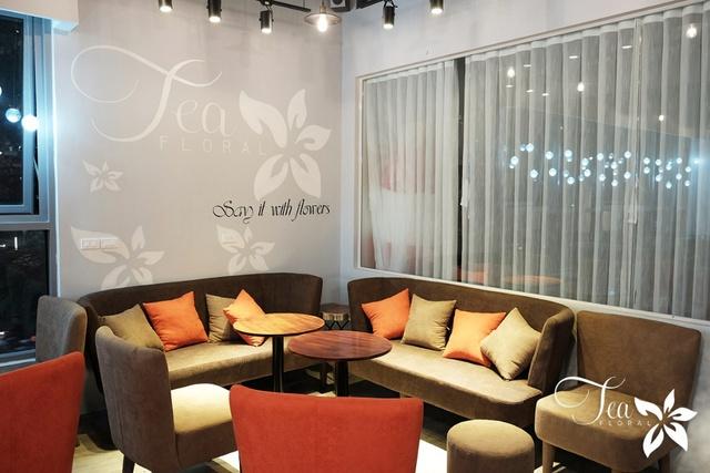 Khám phá quán cafe hoa lãng mạn như phim ngôn tình tại Times City - Ảnh 2.
