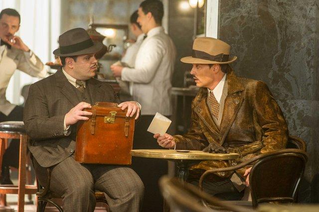 Đi tìm lời giải vụ án mạng trên tàu tốc hành phương Đông cùng thám tử lừng danh Hercule Poirot - Ảnh 2.