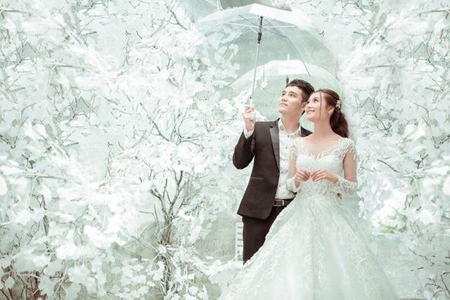 Xốn xang với những bộ hình cưới vượt thời gian, xuyên không gian ở phim trường sát vách Sài Gòn - Ảnh 6.