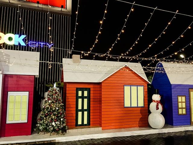 Khám phá điểm check-in Giáng sinh cực chất tại Aeon Mall Bình Dương Canary - Ảnh 1.