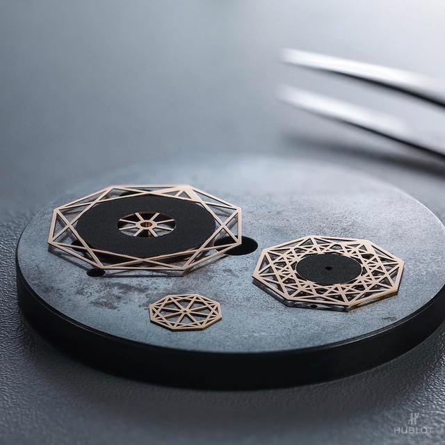 Hublot Sang Bleu – Khi nghệ thuật chế tác đồng hồ hoà vào dòng chảy đương đại - Ảnh 3.