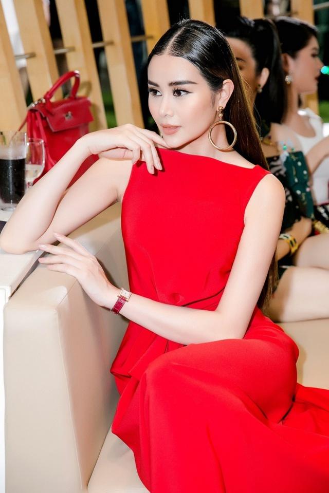 Hoa hậu Sella Trương nổi bật bên cạnh Hoa hậu Đỗ Mỹ Linh - Ảnh 6.