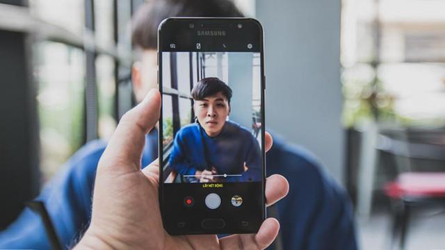 Dùng smartphone kim loại nguyên khối hay vỏ nhựa sướng hơn? Hãy để người dùng trả lời - Ảnh 2.