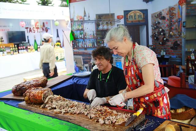 Lạc vào thiên đường ăn uống tại sự kiện Du lịch Ẩm thực và Giải trí Quốc tế ở Sài Gòn - Ảnh 9.
