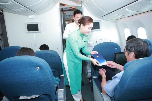 Vietnam Airlines tổ chức sự kiện đặc biệt chào đón hành khách thứ 200 triệu - Ảnh 3.