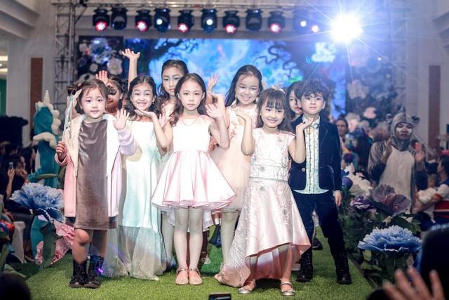 Show diễn thời trang và nhạc kịch cho trẻ em thu hút hàng ngàn khán giả nhí Thủ đô tham dự - Ảnh 3.