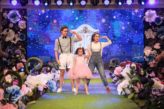 Show diễn thời trang và nhạc kịch cho trẻ em thu hút hàng ngàn khán giả nhí Thủ đô tham dự - Ảnh 4.