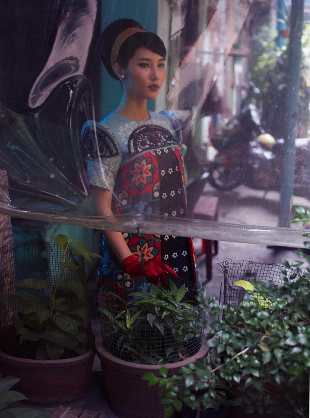 Cặp đôi mỹ nhân Cô ba Sài Gòn đẹp hoài cổ với trang phục của Thuỷ Design House - ảnh 5