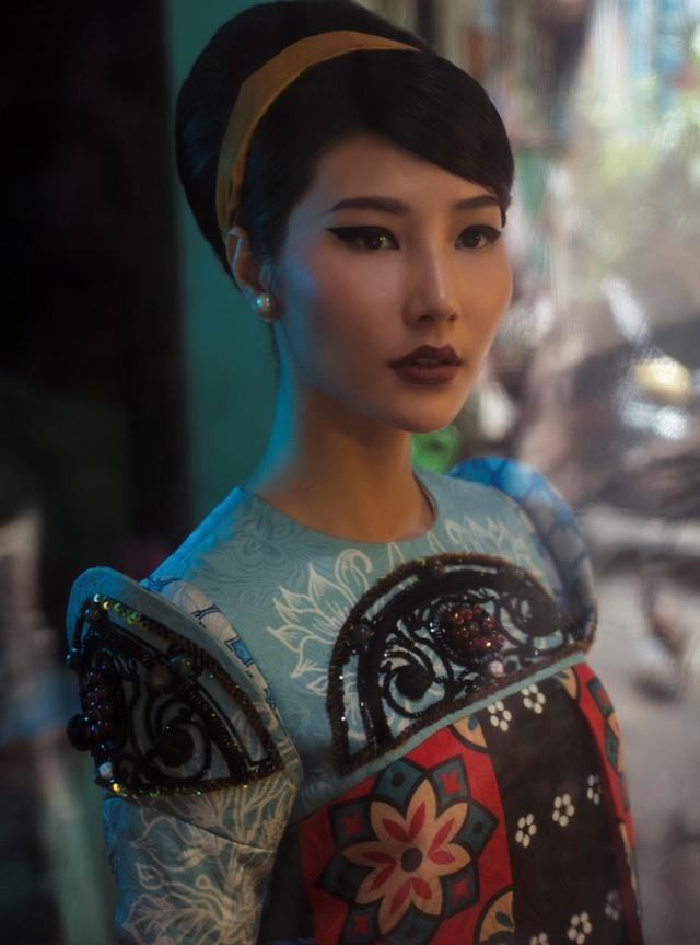 Cặp đôi mỹ nhân Cô ba Sài Gòn đẹp hoài cổ với trang phục của Thuỷ Design House - ảnh 6