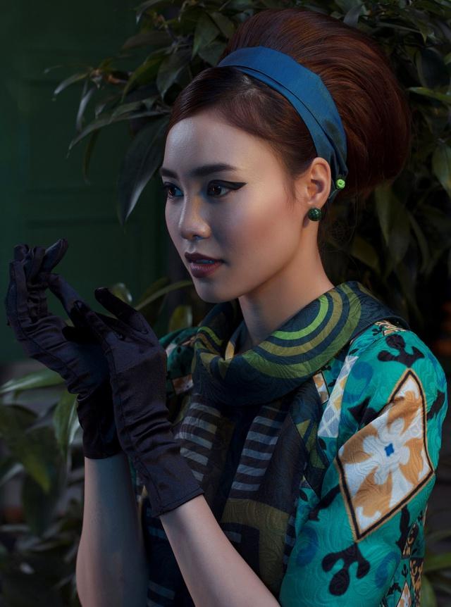 Cặp đôi mỹ nhân Cô ba Sài Gòn đẹp hoài cổ với trang phục của Thuỷ Design House - ảnh 8