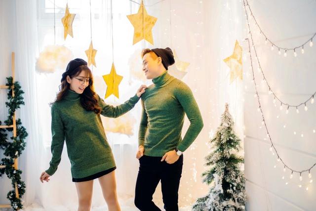 Gợi ý mix đồ Giáng sinh vừa lạ vừa quen cho các cặp đôi - Ảnh 1.