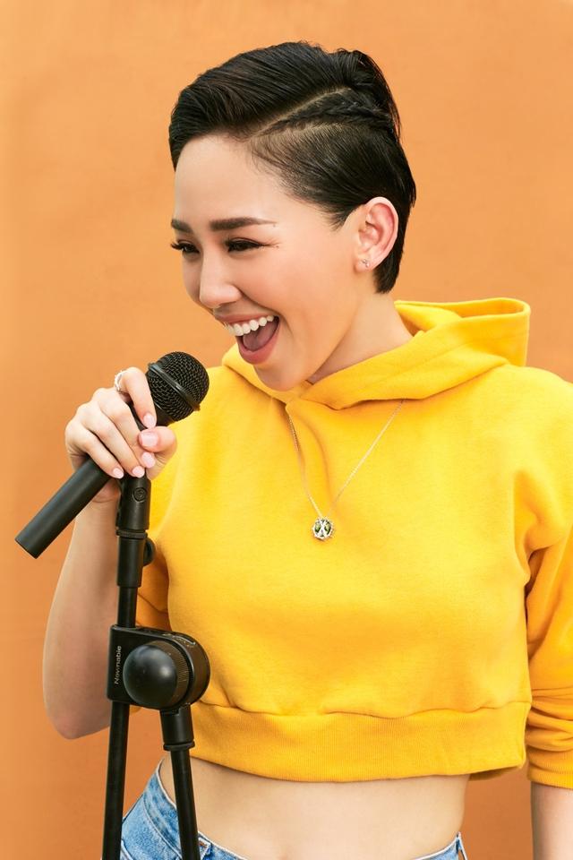 Muốn hiểu Tóc Tiên? Hãy nghe nhạc và ngắm gu thời trang của cô ấy - Ảnh 2.